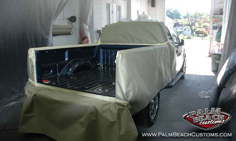 Dark-Blue-Truck-Bedlining-protecting-truck-surfaces-prep-for-sprayon