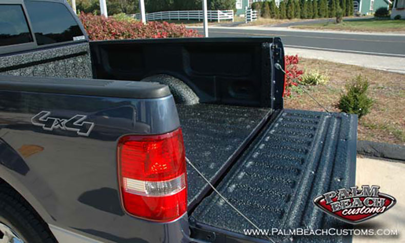 Dark-Blue-Truck-Bedlining-high-shine-of-bedlining-surface-for-years-to-come