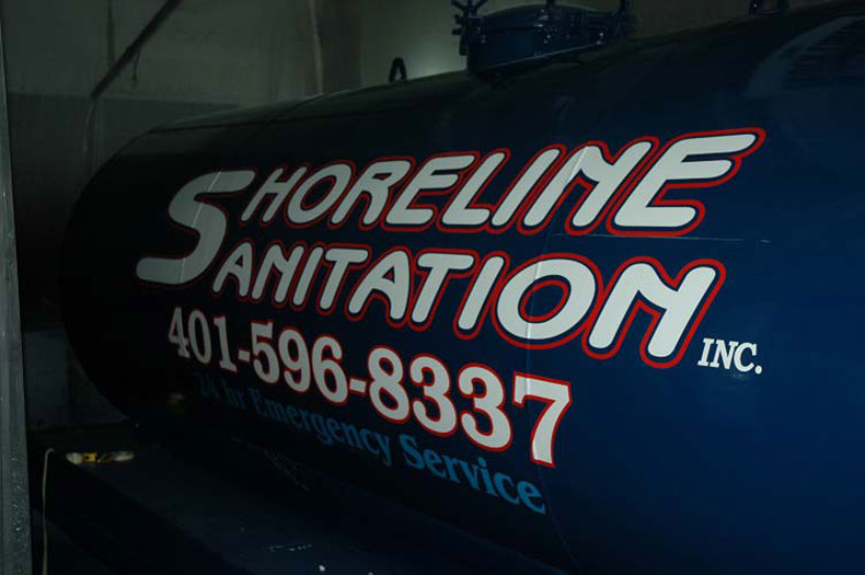 fleet refinishing services, truck lettering and sprayon bed liners 2