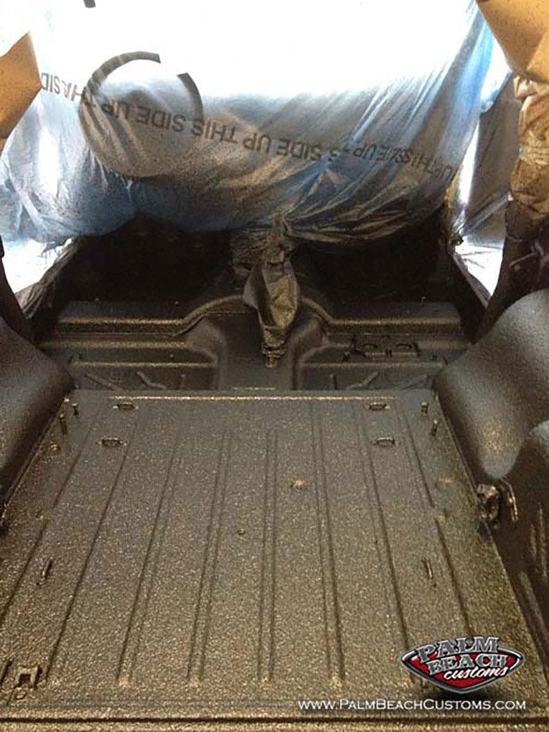 spray on bedliner jeep CJ7 extra rugged looks 31
