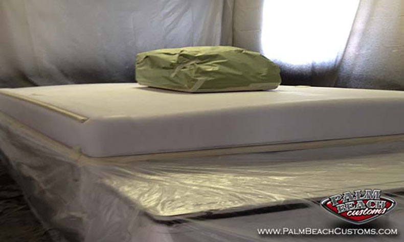 bedliner and repair of the camper rv and trailer roofs bedlining stage