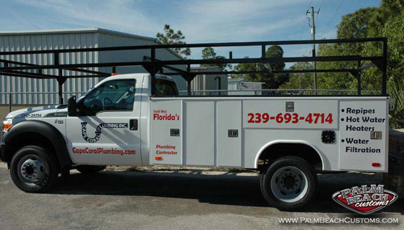 bed lining and lettering for trucks commercial service