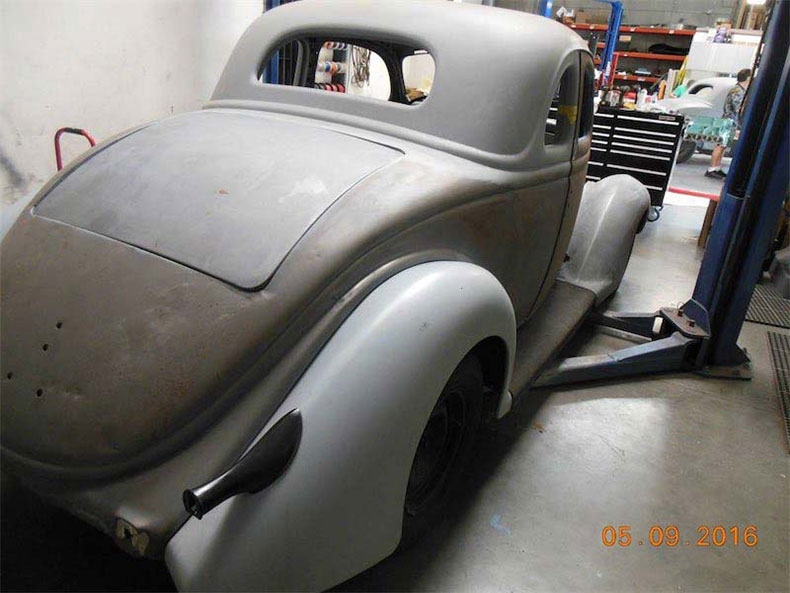 1936 ford 5-window coupe back