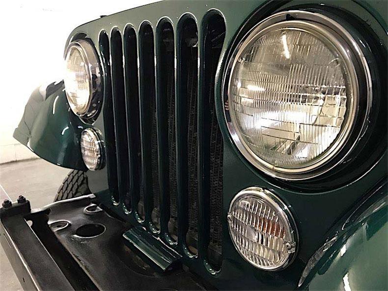 1980 CJ 5 jeep restoration instaled fended flanes and lights