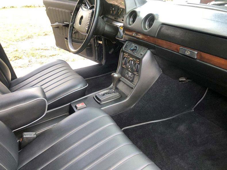grendpas 1978 mercedes resto seats 2
