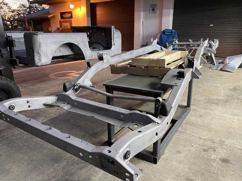 a dry-type cleaning chassis